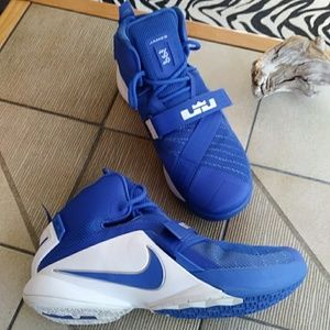 Just in! LeBron Soldier IX 9 NIKE Basketball Shoes